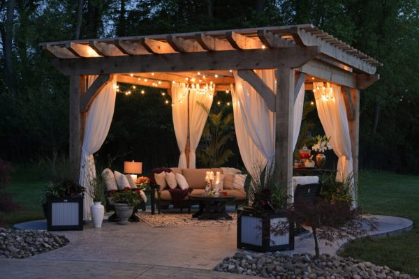 Create a sacred outdoor space with Feng Shui